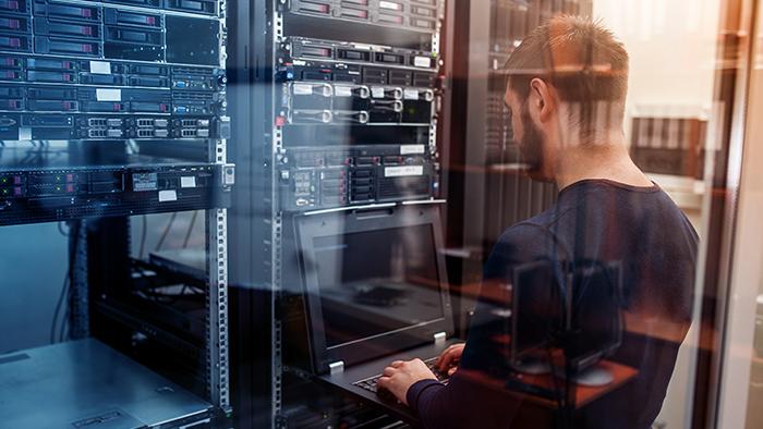Medientechnik Server und Serversoftware